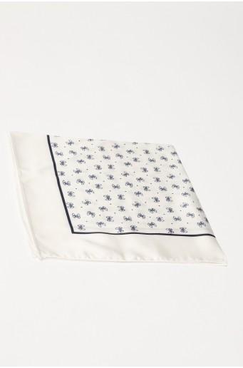 Bílý šátek s potiskem
