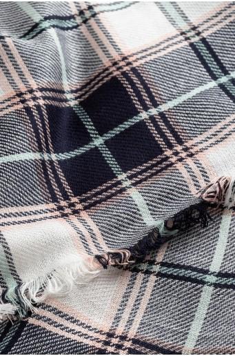 Kostkovaný viskózový šátek