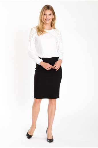 Elegantní černá sukně s dekorativním páskem