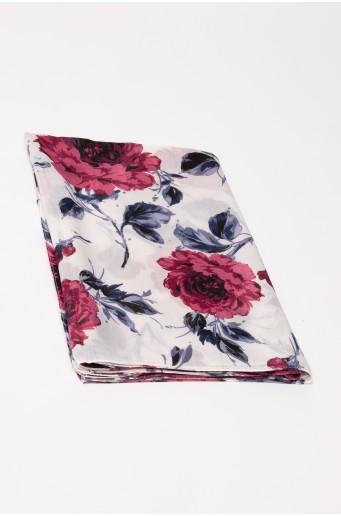 Bílý šátek se vzorem květin
