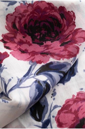 Biela šatka s kvetinovým vzorom