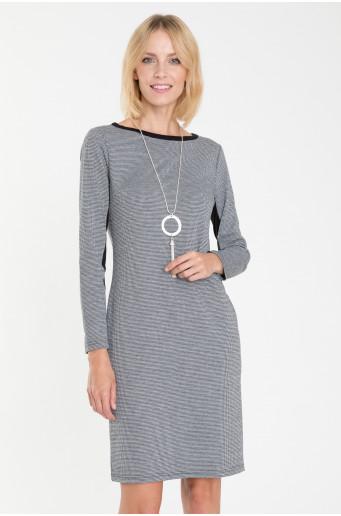 Pletené priliehavé šaty s kontrastnými vložkami