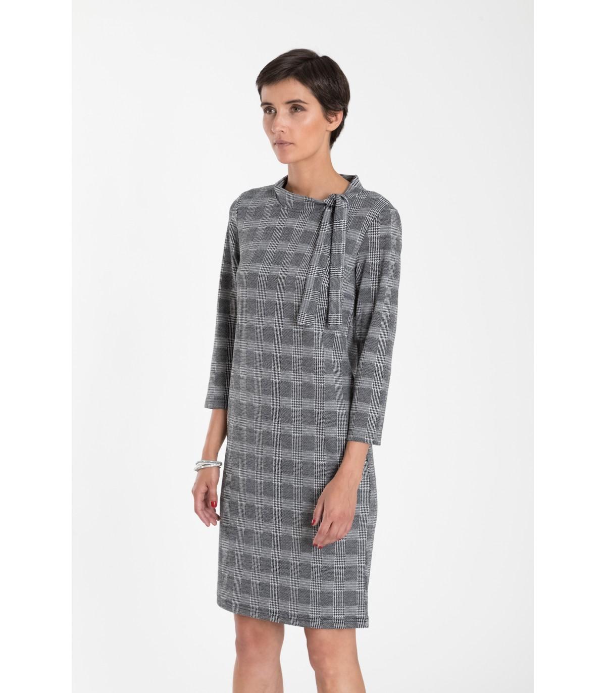 01d397242083 Priliehavé pletené šaty