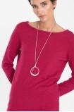 Růžový svetr s dekorativním vázáním na zádech