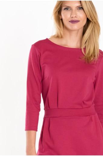Růžové úpletové šaty s páskem