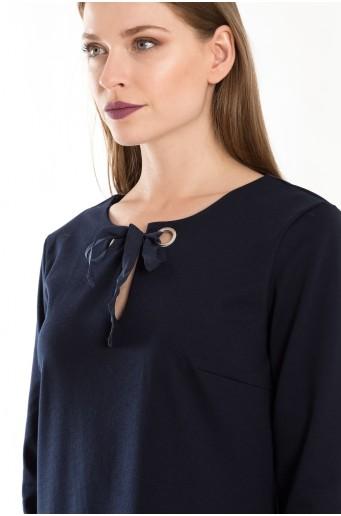 Tmavomodré elegantné pletené šaty