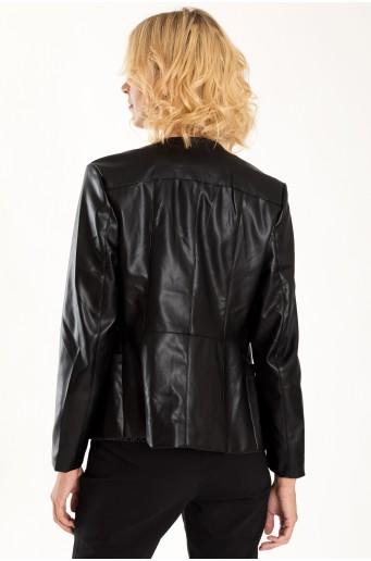 Priliehavá bunda z eko kože