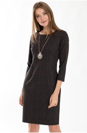 Priliehavé kockované šaty