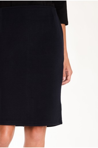 Tmavomodrá ceruzková sukňa