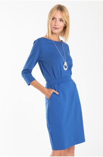 Elegantné šaty s opaskom v páse