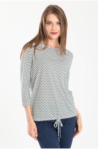 Bílý top s potiskem geometrických vzorů