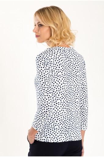 Bílý svetr s puntíkovým potiskem