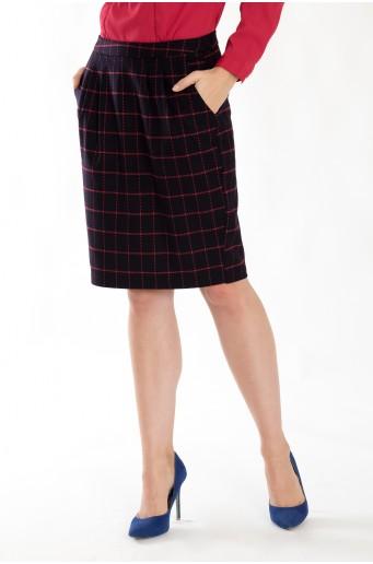 Černá pouzdrová sukně s kostkou
