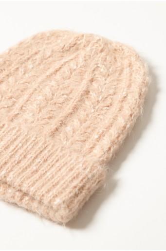 Teplá čepice s ozdobným zapletením