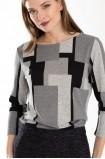 Šedý svetr s geometrickým vzorem