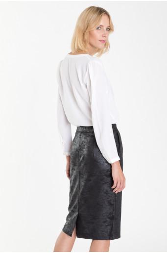 Pouzdrová sukně z třpytivého materiálu