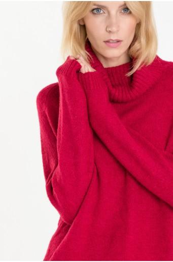 Červený rolákový svetr