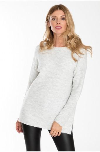 Teplý, volný svetr se stojáčkem