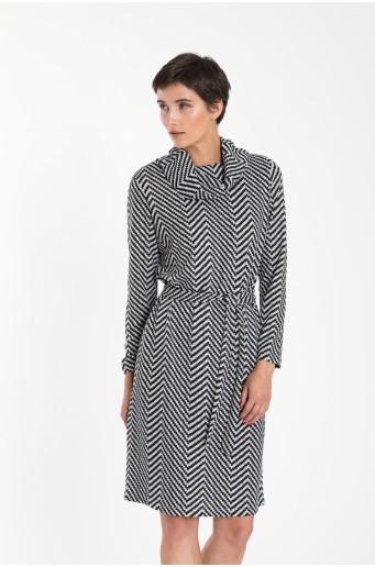Rolákové šaty z úpletu s páskem