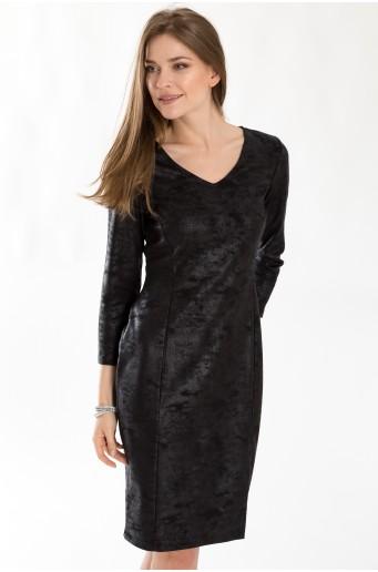 Šaty z lesklého úpletu