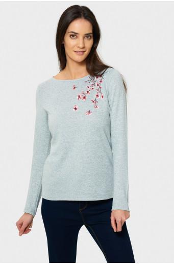 Elegantný sveter s výšivkou