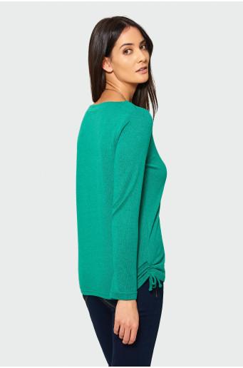 Zelený sveter s dlhým rukávom