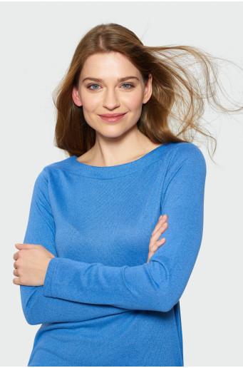 Modrý svetr s dlouhým rukávem