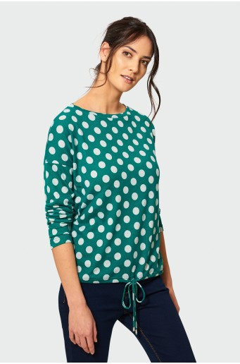 Loose sweater with drawstring