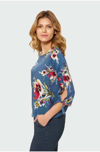 Elegant blouse with print