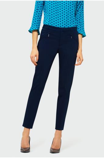 Klasické tmavě modré kalhoty