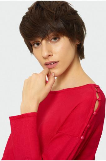 Klasický svetr s dekorativními knoflíky