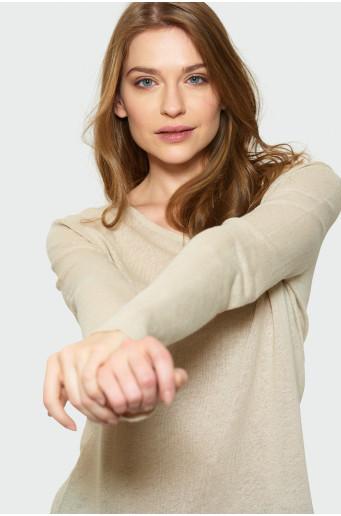 Klasický béžový svetr