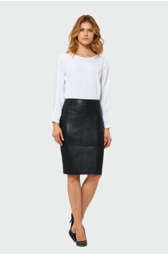 Černá pouzdrová sukně
