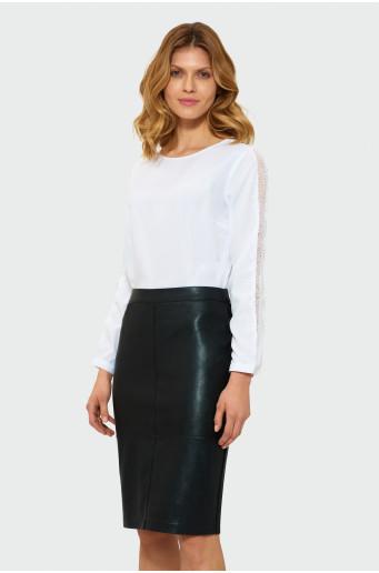 Čierna úzka sukňa