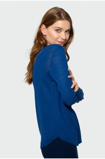 Klasický modrý svetr