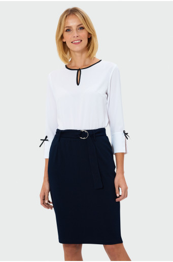Blouse with contrasting neck