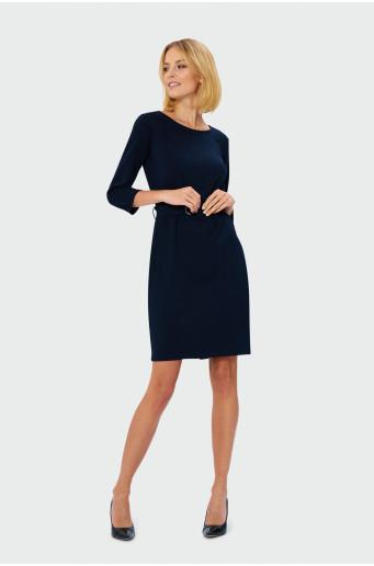 Tmavomodré šaty s opaskom