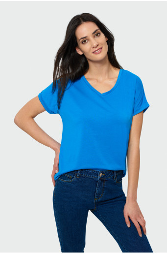 Loose top with v-neck