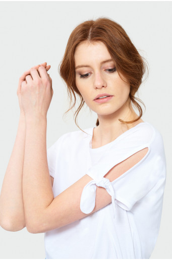 Kimono top with sleeve lacings