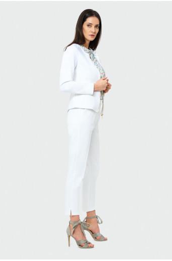 Elegantné biele nohavice