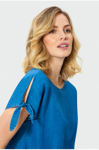 Blouse with split sleeves