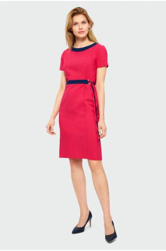 Elegantní červené šaty