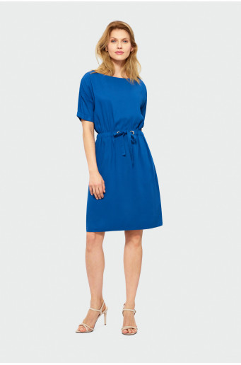Classic knee-length dress
