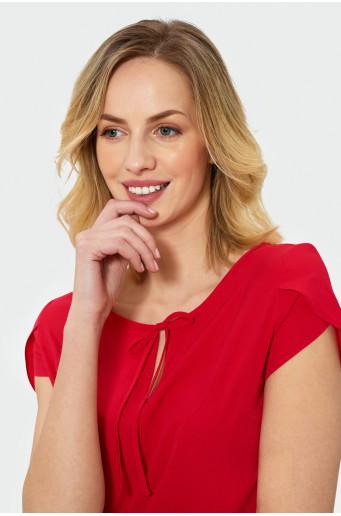 Červená halenka s krátkým rukávem