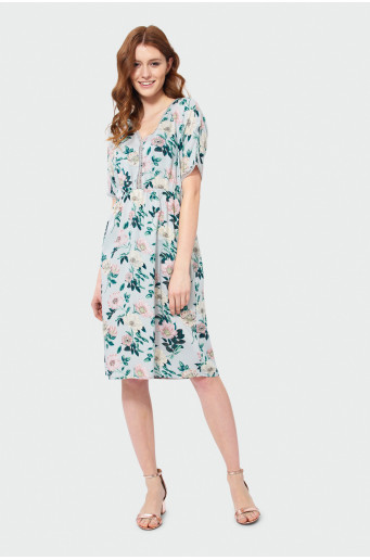 Gauzy over-the-knee dress.
