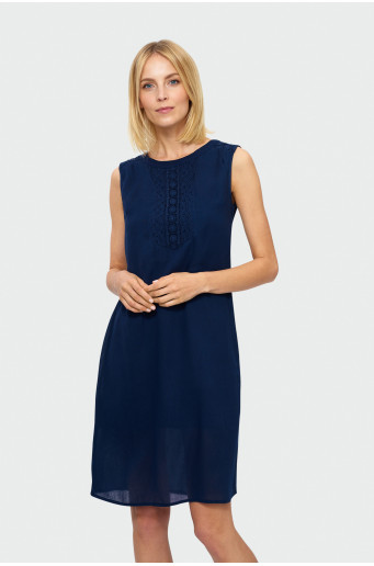 Jednoduché šaty bez rukávů