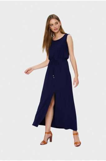 Dlhé šaty na širokých ramienkach