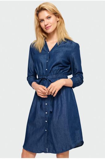 Sukienka koszulowa.