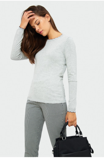 Skin-tight cut sweater