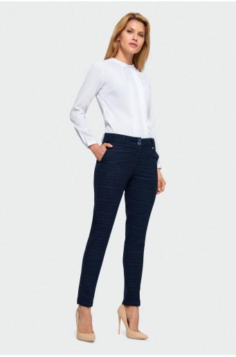 Elegantní kalhoty s kostkovaným vzorem.